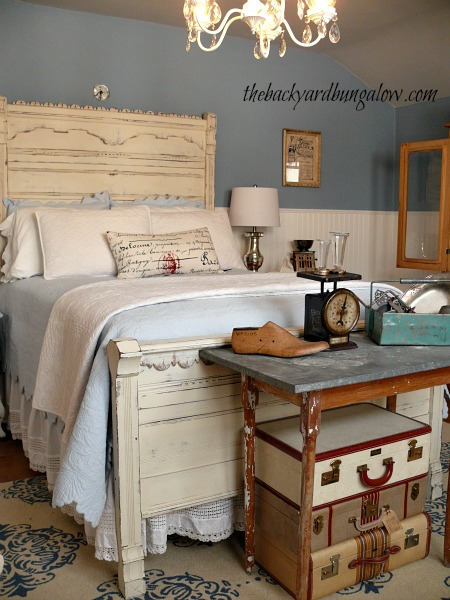 Love seeing top decor blogger 39 s homes check out this new for Backyard guest room